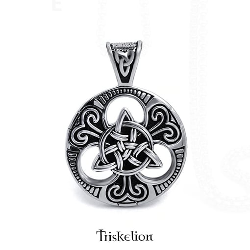 collier celtique triquetra